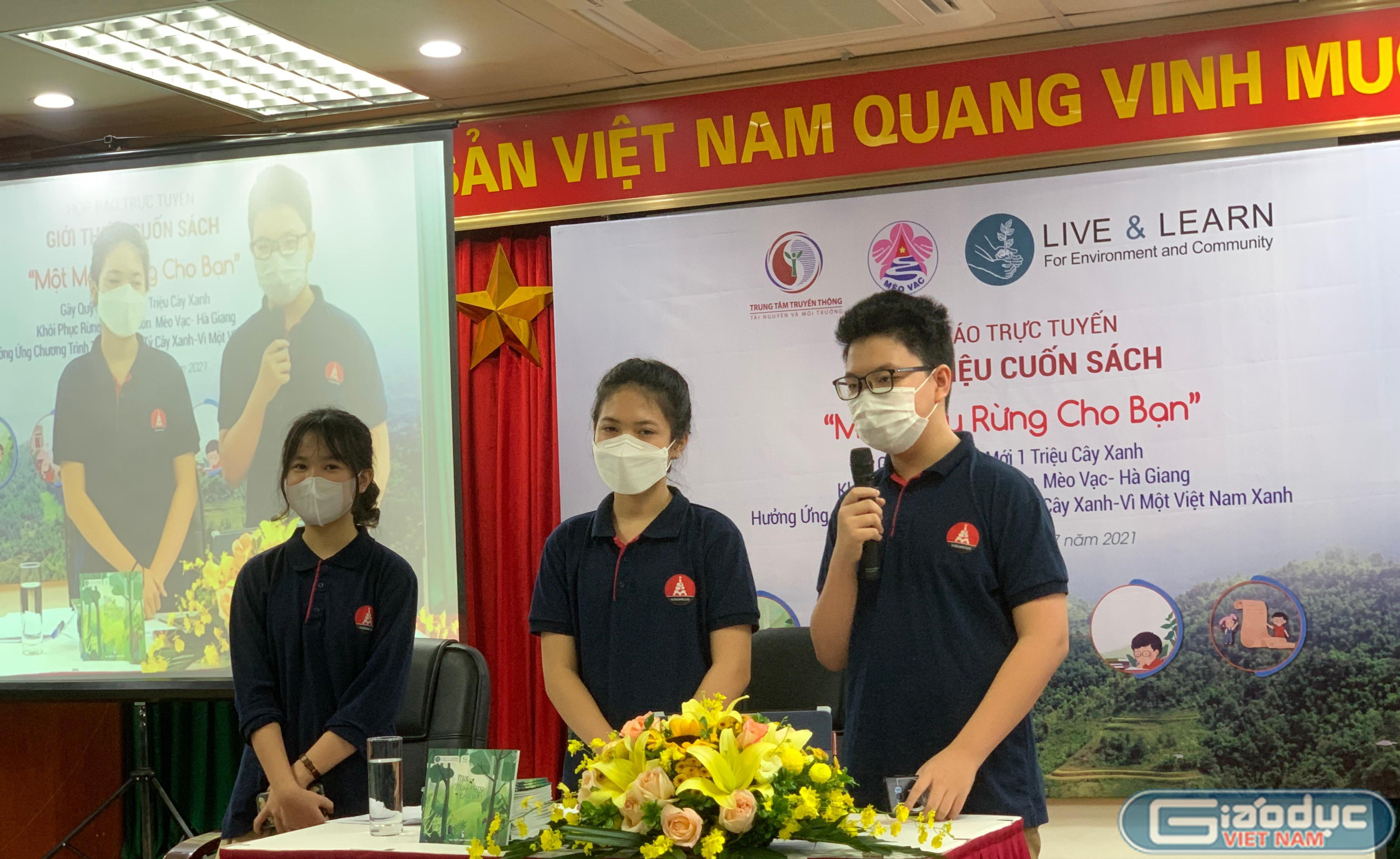 Ba học sinh lớp 7 trường Marie Curie xuất bản sách về môi trường - Giáo dục Việt Nam
