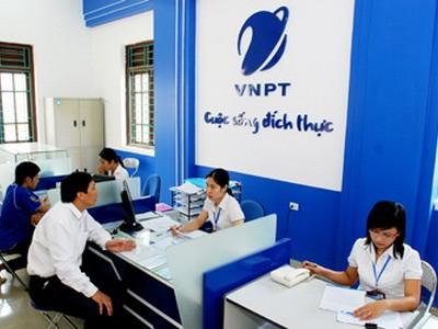 """2 lỗ hổng cốt tử khiến tập đoàn VNPT đang """"tụt dốc"""" rất mạnh"""