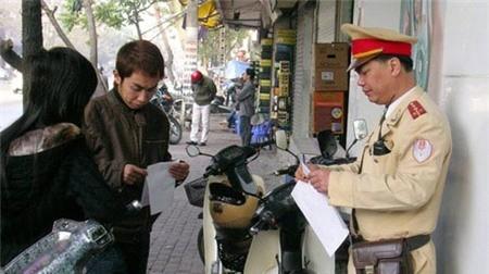 Hà Nội lắp ATM tại trụ sở cảnh sát để thu tiền phạt