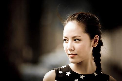 Phương Linh trở lại showbiz với hình ảnh dịu dàng hơn xưa.