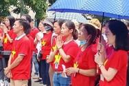 Bóng trách nhiệm chạy vòng quanh, giáo viên hợp đồng Hà Nội chết dở