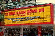 Hiệu trưởng tại Hà Giang ngã ngửa khi nhận sách mới biết... tên nhà cung cấp