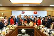 Ký kết biên bản ghi nhớ hợp tác giáo dục Việt Nam - Vương quốc Anh