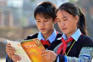 Bộ không làm sách giáo khoa, ai lo cho học sinh dân tộc thiểu số?