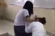 Mâu thuẫn trên mạng xã hội, nữ sinh cấp 3 Phan Đăng Lưu đánh bạn trong lớp