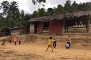 Cảm động thầy Hiệu trưởng xin gạo cho học sinh vùng cao
