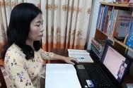 Cô giáo sắp về hưu vẫn dạy học trực tuyến giỏi