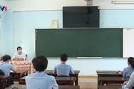 Giáo viên dạy tăng tiết khi giãn cách học sinh, có được tính tăng giờ?