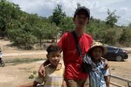 Hành trình đi bộ qua 45 tỉnh để giúp đỡ trẻ em bất hạnh của chàng trai Sài Gòn