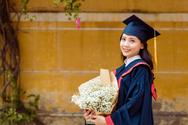 Nghị lực vượt lên hoàn cảnh để theo đuổi ngành PR của nữ thủ khoa xứ Thanh