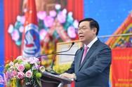 Phó Thủ tướng Vương Đình Huệ khích lệ sinh viên khởi nghiệp thành công