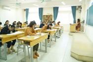Chỉ tuyển giáo viên không quá 30 tuổi, nhiều thầy cô mất trắng cơ hội