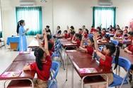 Lớp 1 mới học được 5 tuần mà đã phải đọc những câu văn dài là khá nan giải