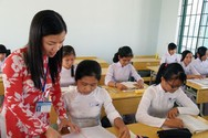 Giáo viên ngán ngẩm tìm minh chứng để xét chuẩn, Bộ Giáo dục có biết?