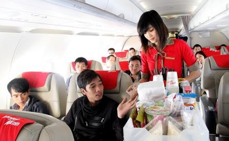 Hành khách than phiền vé bay Vietjet Air không rẻ, dịch vụ xô bồ