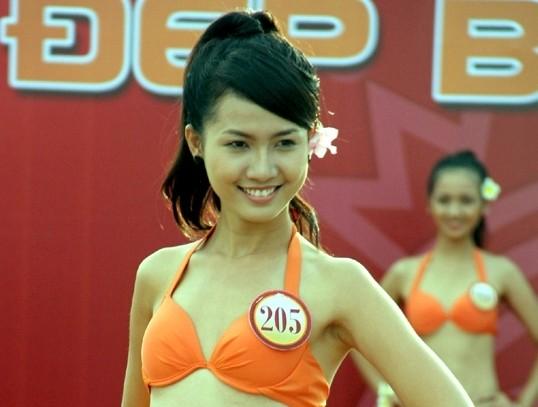 Clip nóng bỏng người đẹp cạnh tranh ngôi vị Miss Bikini (P3)