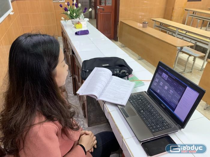Dịch Covid phức tạp, nhiều trường đại học ở Hà Nội chuyển sang học online