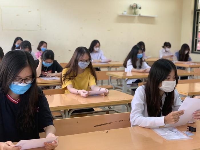 4 môn thi vào lớp 10 của Hà Nội gồm Toán, Văn, Ngoại ngữ và Lịch sử