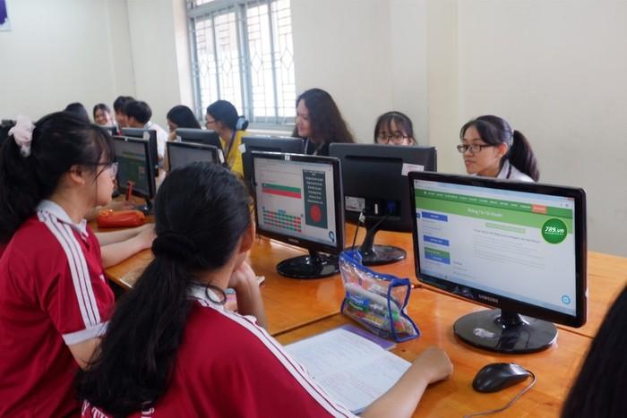 Khi kiểm tra bằng hình thức trực tuyến thì bài thi của học trò sẽ lưu trữ ở đâu?