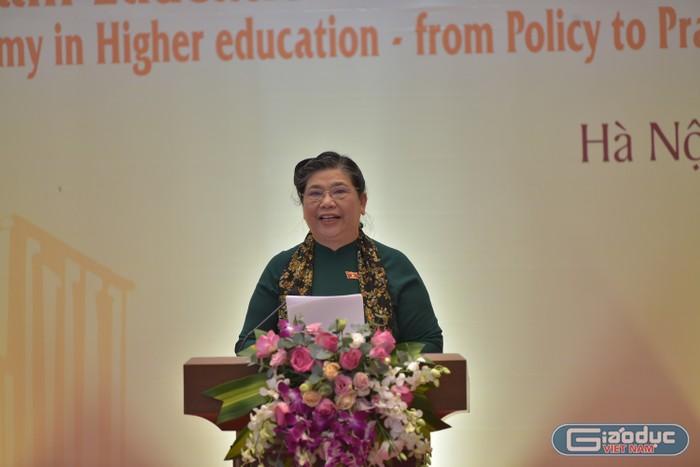 Phó chủ tịch Quốc hội Tòng Thị Phóng nêu 4 vấn đề tự chủ đại học cần tháo gỡ