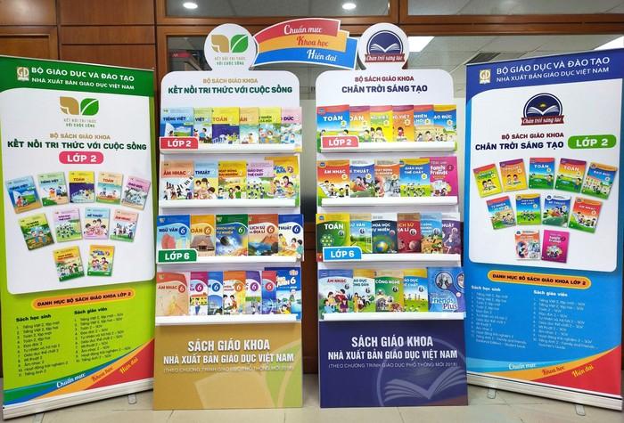 Hà Nội ban hành 2 tiêu chí lựa chọn sách giáo khoa mới