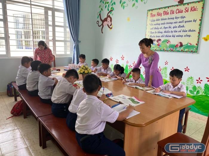 Phụ đạo học sinh lớp 1 ở Vũng Tàu, chia sẻ ruột gan của một Hiệu trưởng