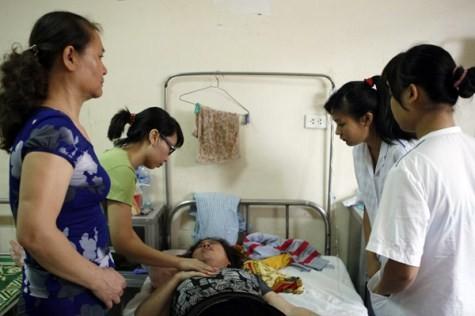 Hà Nội: Hé lộ sự thật vụ tố chồng, con đánh gãy cổ