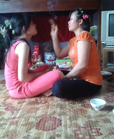 Những cách chữa bệnh kinh dị nhất tại Việt Nam (P3)