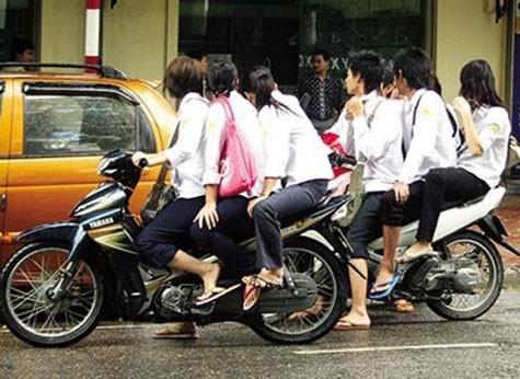 """""""Hội nghị Diên Hồng"""" về an toàn giao thông trong trường học"""