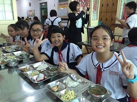 Xây dựng thực đơn bữa ăn học đường khoa học quyết định tầm vóc học sinh Việt