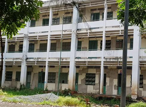 Trường tiểu học trị giá gần 20 tỷ đồng bị bỏ hoang ở Sài Gòn đã 7 năm