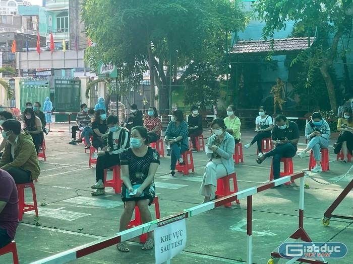 Ca Covid-19 tăng, Thành phố Hồ Chí Minh chấm bài thi tốt nghiệp ra sao?
