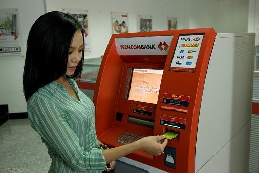 GĐ Trung tâm thẻ Techcombank bày cách rút tiền ATM hiệu quả nhất