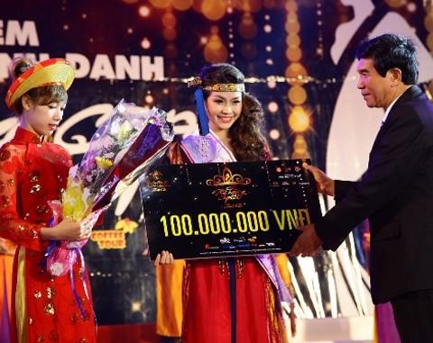 Cô gái đẹp nhất Miss Teen trở thành 'Nữ hoàng cà phê VN'
