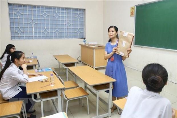 Giáo viên trung học phổ thông lại khổ vì giấy phép con?