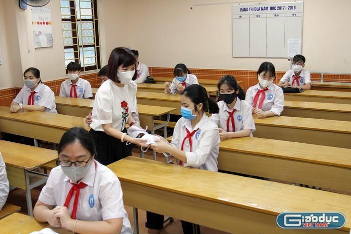 Bùng nhùng chia hạng, xếp lương giáo viên mong Bộ trưởng quan tâm chỉ đạo