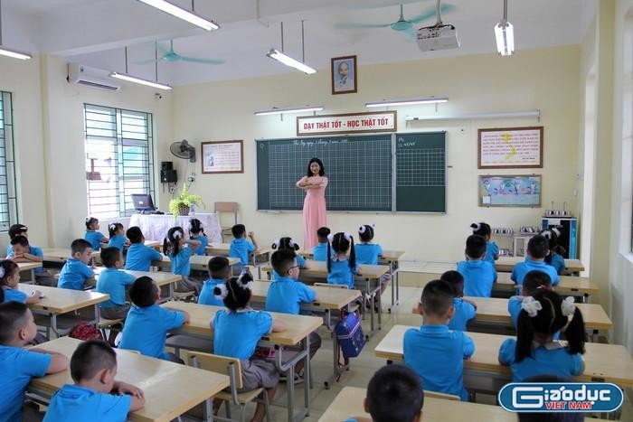 Thầy Bùi Nam giải đáp tiếp băn khoăn xếp lương, thăng hạng, chứng chỉ nhà giáo