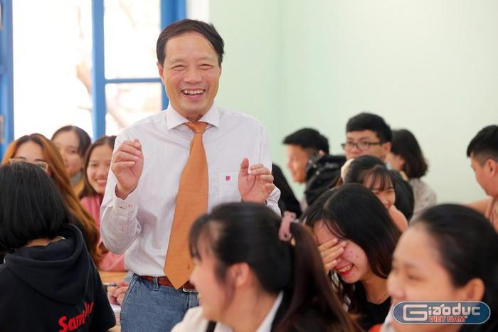Đa phần giáo viên mua giáo án để nộp, ai mua để dạy không xứng làm Thầy!