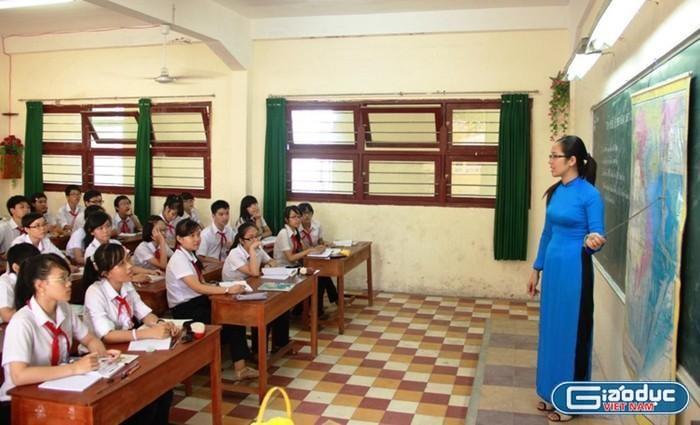 Cục Nhà giáo hướng dẫn thế này, biết bao giờ thầy cô mới được chuyển xếp lương?