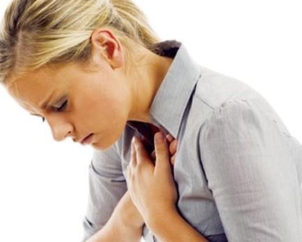 Viêm nha chu, trục trặc tình dục... dấu hiệu bất ngờ của đau tim