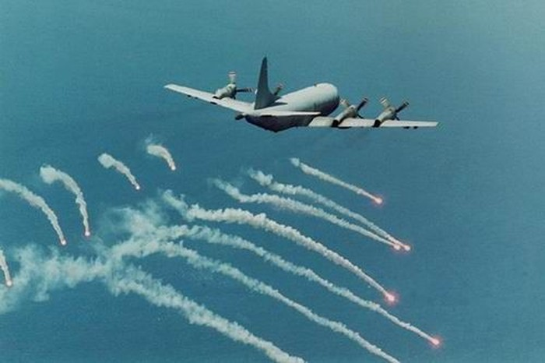 Báo Anh, Nga, Mỹ, TQ: Việt Nam muốn mua máy bay săn tàu ngầm P-3