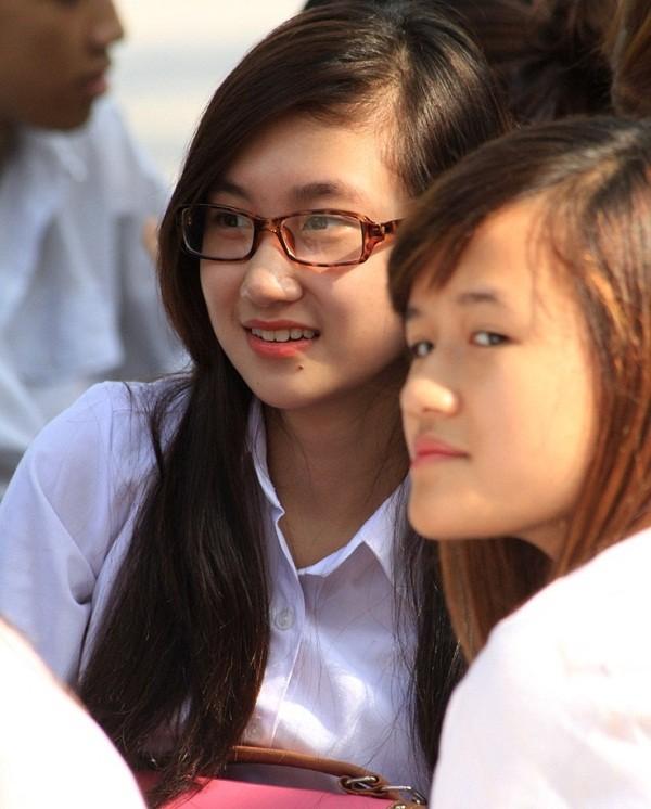 Chùm ảnh: Nữ sinh đẹp rạng ngời ngày khai trường