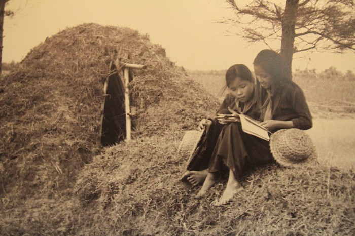 Những bức ảnh đen trắng quý hiếm về học sinh thời chiến