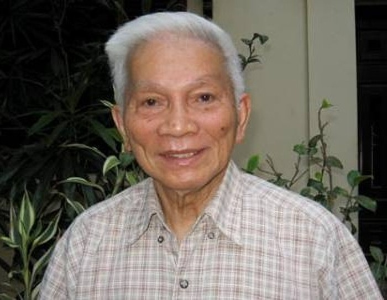 GS Hoàng Tụy: