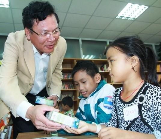 Bộ trưởng Phạm Vũ Luận thăm Lớp học Hy vọng