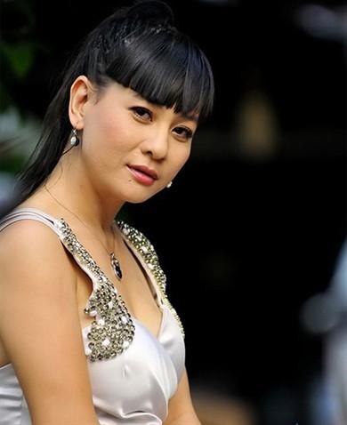 """Sao Việt """"ăn gian"""" tuổi với tóc mái ngang, Tóc - Mũ - Nón, Thời trang, toc dep, lam dep cung sao, lam dep, toc mai ngang,"""