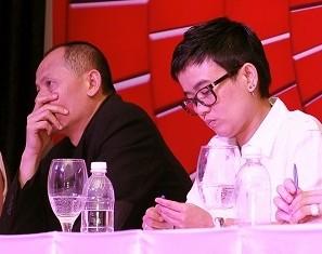 Cận cảnh vẻ căng thẳng của TGĐ Cát Tiên Sa ở họp báo The Voice