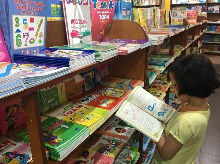 Thủ tướng yêu cầu 2 Bộ giám sát phương án kê khai giá sách giáo khoa lớp 2, 6