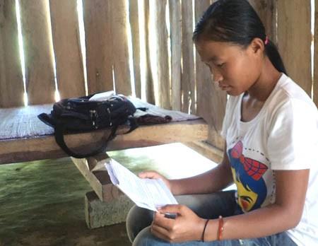Nữ sinh dân tộc Thái mong thành cô giáo, nhưng không có tiền nhập học