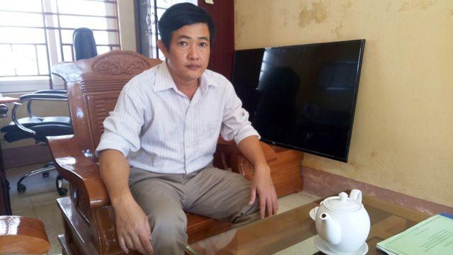 Hiệu trưởng trường Ngư Lộc được bổ nhiệm lại một cách kỳ lạ